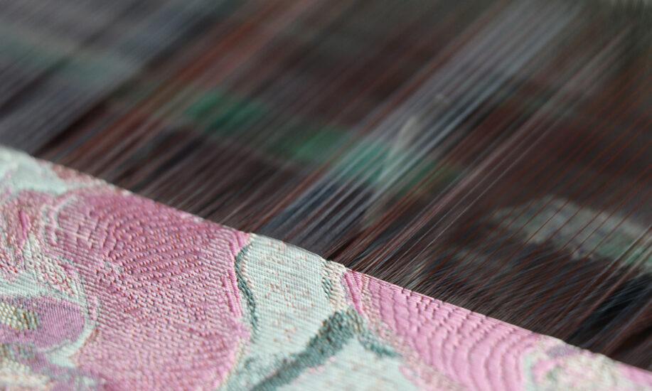 織物ができるまで 5 織る