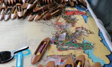 祭礼幕の復元新調 祇園祭 山伏山の水引「養蚕機織図綴錦」が完成しました